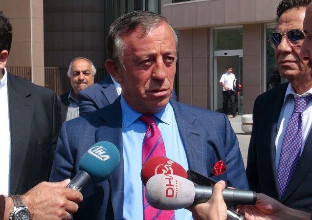 """Bir televizyon kanalında kadınlara yönelik sarf ettiği sözlerde, """"Halkın bir kesimini sosyal sınıf, ırk, din, mezhep, cinsiyet veya bölge farklılığına dayanarak alenen aşağılama"""" suçunu işlediği gerekçesiyle hakkında soruşturma başlatılan işadamı Ali Ağaoğlu, ifade verdi."""