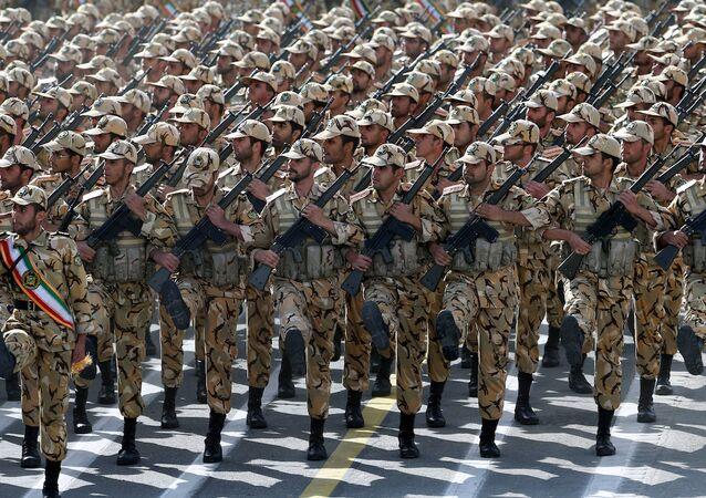 İran ordusu.