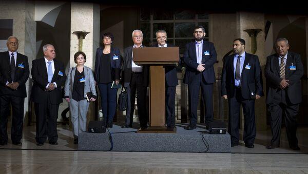 Yüksek Müzakere Konseyi (HNC): Esad el Zubi, George Sabra, Muhammed Alluş - Sputnik Türkiye