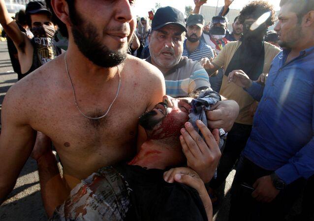 Bağdat'taki hükümet karşıtı eylemlere polis müdahale etti.