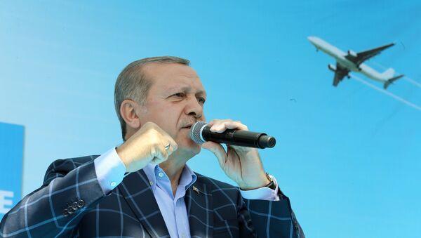 Cumhurbaşkanı Recep Tayyip Erdoğan, Diyarbakır'daki toplu açılış töreninde konuştu. - Sputnik Türkiye