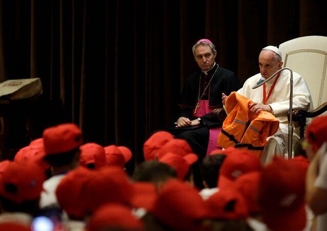 Papa Francis, sığınmacılar için 'merhamet' çağrısında bulundu.