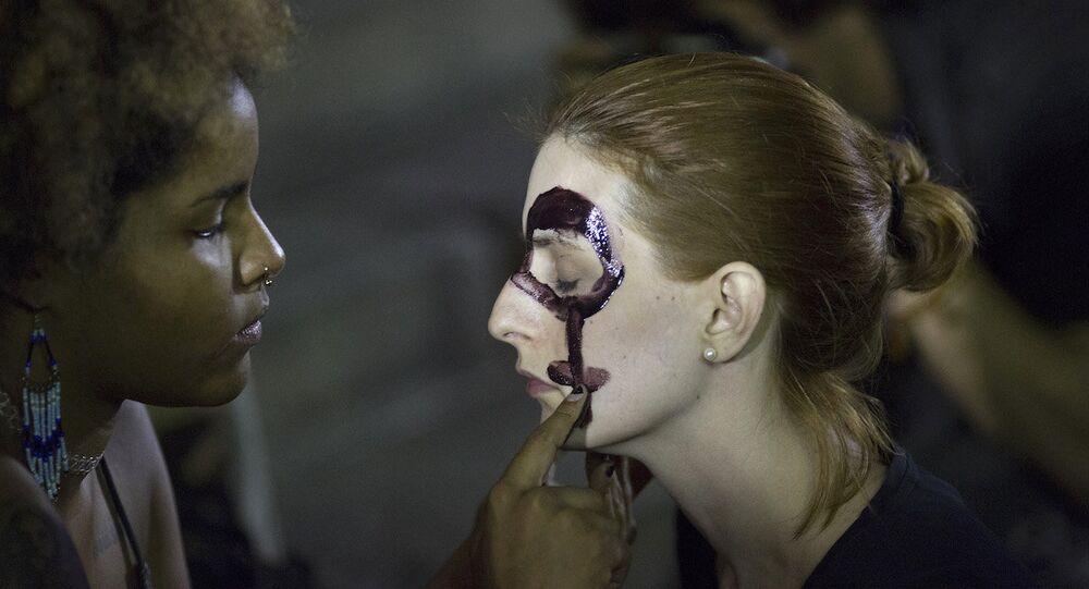 Brezilya'daki toplu tecavüz olayı protestolara neden oldu.
