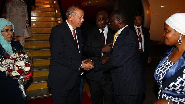 Cumhurbaşkanı Recep Tayyip Erdoğan, Afrika ziyaretinin ilk durağı olan Uganda'da - Sputnik Türkiye