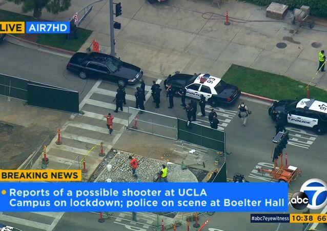 Los Angeles'taki California Üniversitesi'nde silahlı saldırgan alarmı.