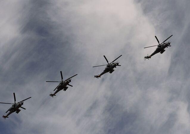 Rusya'ya ait Mi-35 helikopterleri.