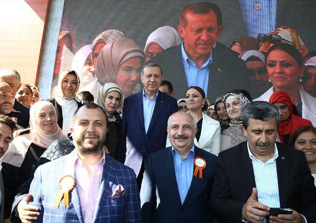 Cumhurbaşkanı Recep Tayyip Erdoğan KADEM'in yeni hizmet binasının açılışına katıldı.