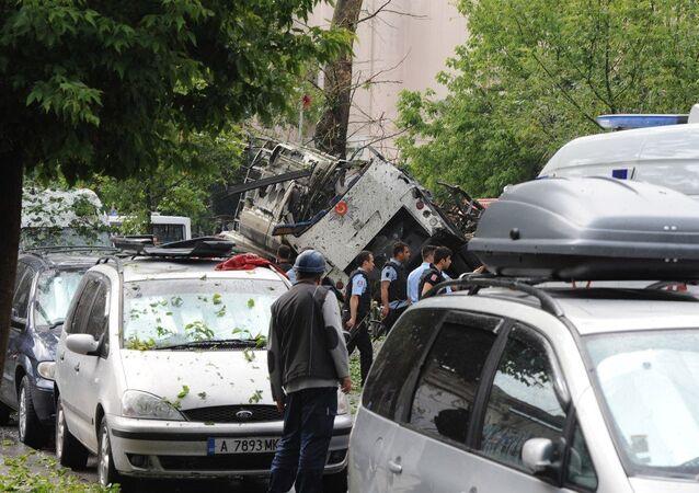 Patlamanın ardından İstanbul Üniversitesi'nin Beyazıt kampüsündeki tüm sınavlar iptal edildi.