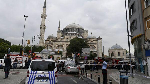İstanbul Vezneciler'deki saldırıda 7 polis ve 4 sivil yaşamını kaybetti, 36 kişi yaralandı. - Sputnik Türkiye