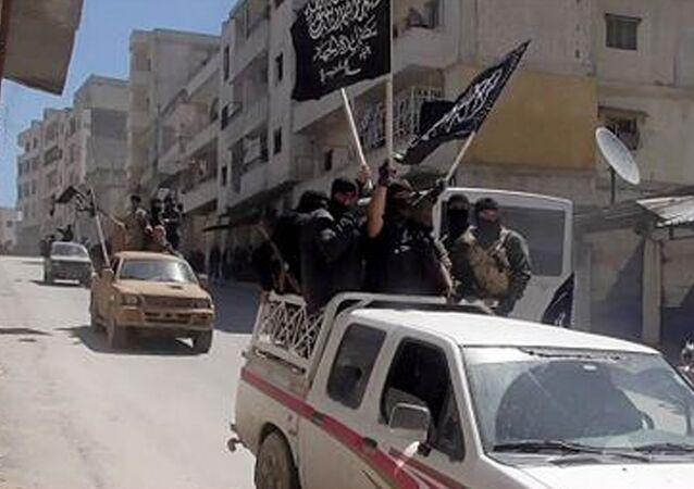 EL Nusra militanları.