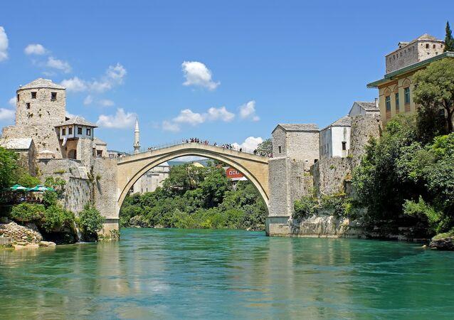 Bosna Hersek.