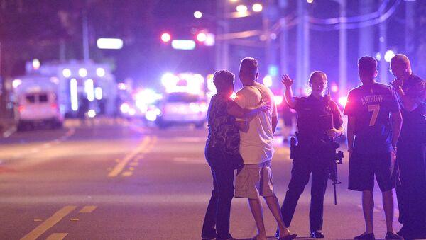 Orlando'daki bir gece kulübünde meydana gelen silahlı saldırıda en az 40 kişi yaralandı. - Sputnik Türkiye