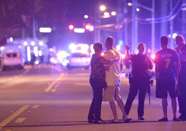 Orlando'daki bir gece kulübünde meydana gelen silahlı saldırıda en az 40 kişi yaralandı.
