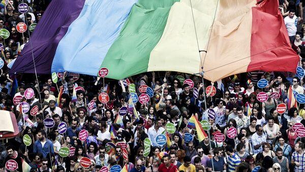 İstanbul LGBTİ Onur Yürüyüşü - Sputnik Türkiye