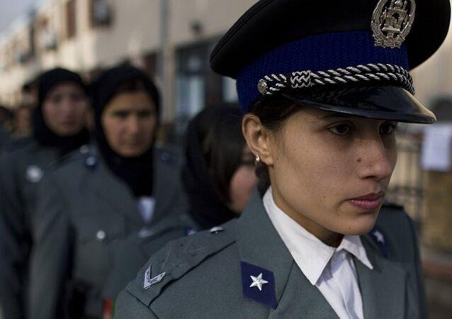 Afganistan kadın polis