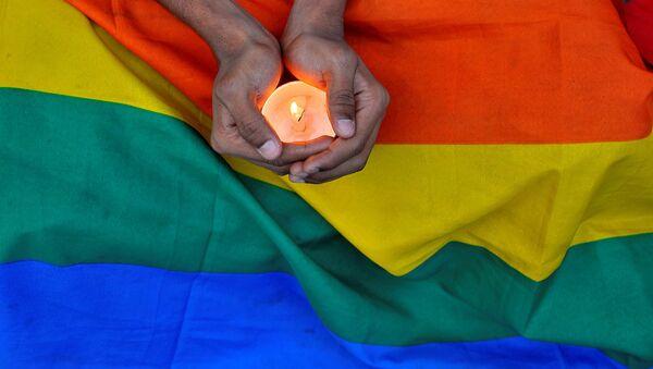 Orlando saldırısında hayatını kaybedenler için birçok yerde anma düzenlendi. - Sputnik Türkiye