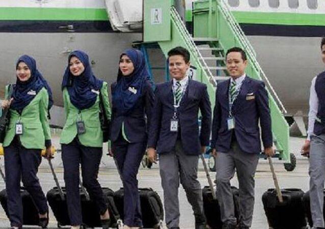 Malezya'nın ilk İslami havayolu şirketi Rayani Havayolları uçuşları, ülkenin havacılık otoritesi tarafından durduruldu.