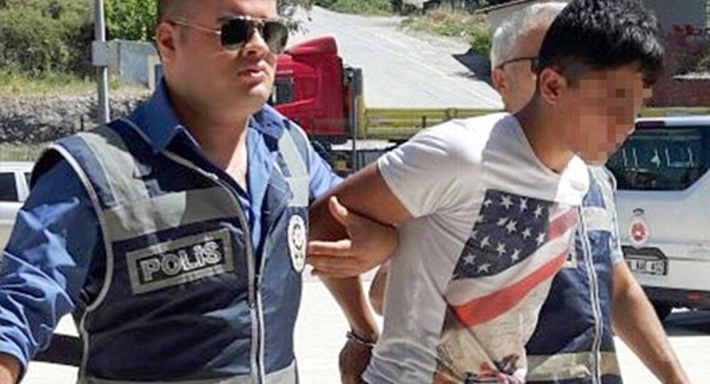 Antalya'nın Alanya ilçesine tatile gelen Danimarkalı 18 yaşındaki Michelle W.R. adlı kızı takip ederek ara sokakta tecavüz ettiği iddia edilen 19 yaşındaki Yasin T. gözaltına alındı.
