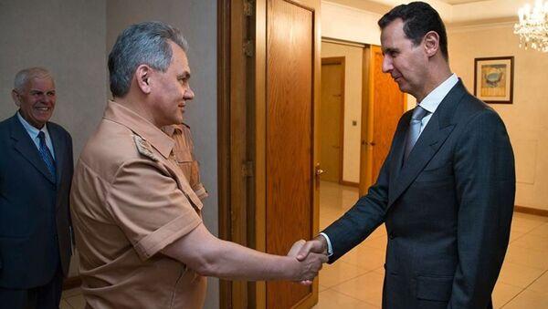 Rusya Savunma Bakanı Sergey Şoygu, Şam'da Suriye Devlet Başkanı Beşar Esad ile sürpriz görüşme yaptı. - Sputnik Türkiye