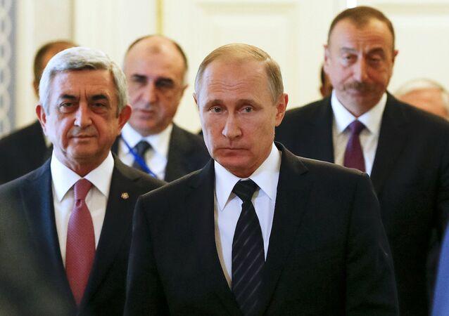 Rusya Devlet Başkanı Vladimir Putin, Azerbaycan Cumhurbaşkanı İlham Aliyev ve Ermenistan Devlet Başkanı Serj Sarkisyan, Saint Petersburg'da bir araya geldi.