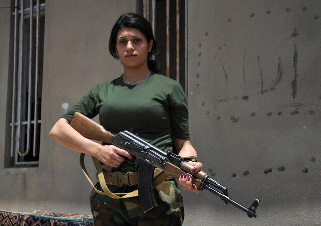 IŞİD'e karşı savaşan kadın peşmergeler