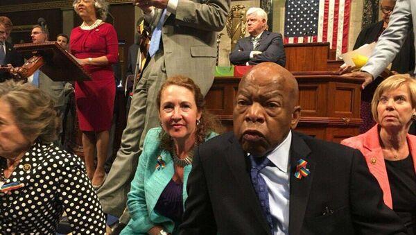 ABD'li Demokratlardan Kongre'de oturma eylemi - Sputnik Türkiye
