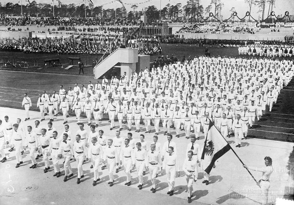 1916 Olimpiyatları için Berlin'de yapılan bir stadyumun açılışı-1913