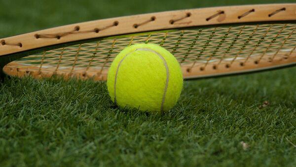 Tenis topu ve raketi - Sputnik Türkiye