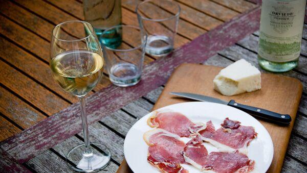 Şarap ve peynir - Sputnik Türkiye