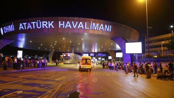 İstanbul Atatürk Havalimanı'nda patlama - Sputnik Türkiye
