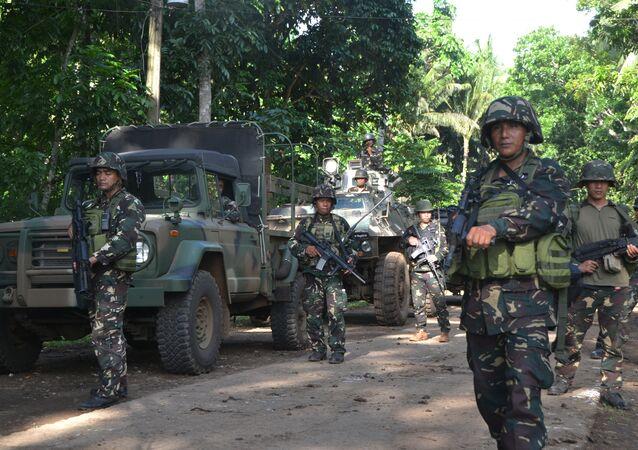 Filipinli askerler