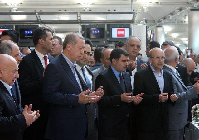 Cumhurbaşkanı Recep Tayyip Erdoğan, Atatürk Havalimanı'nda