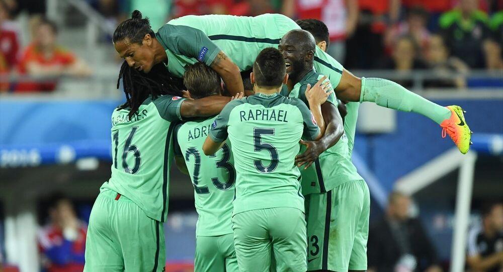 EURO 2016 ilk yarı final maçında Portekiz, Galler'i 2-0 yenerek finale adını yazdırdı