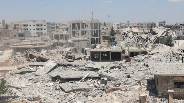 Suriye ordusu Halep'in girişi olan stratejik Kastillo yolunda bazı yerleri aldı - Sputnik Türkiye