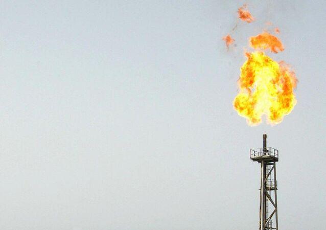 İran'ın güneybatısında yer alan Ahvaz kentine bağlı Mahşehr ilçesindeki Bu Ali Sina petrokimya tesisinde yangın çıktı.