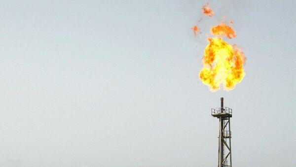 İran'ın güneybatısında yer alan Ahvaz kentine bağlı Mahşehr ilçesindeki Bu Ali Sina petrokimya tesisinde yangın çıktı. - Sputnik Türkiye