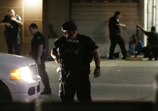 Dallas'ta polise saldırı