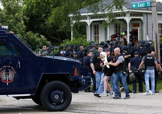 Louisiana eyaletine bağlı Baton Rouge şehrindeki gösterilerde 48 kişi tutuklandı