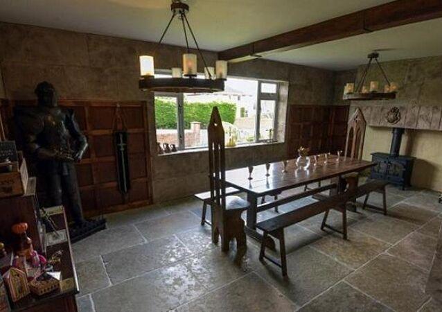 Evlerinin odasını Harry Potter setine dönüştürmek için 13 bin sterlin harcadılar