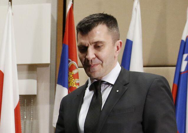 Sırbistan Savunma Bakanı Zoran Djordjevic