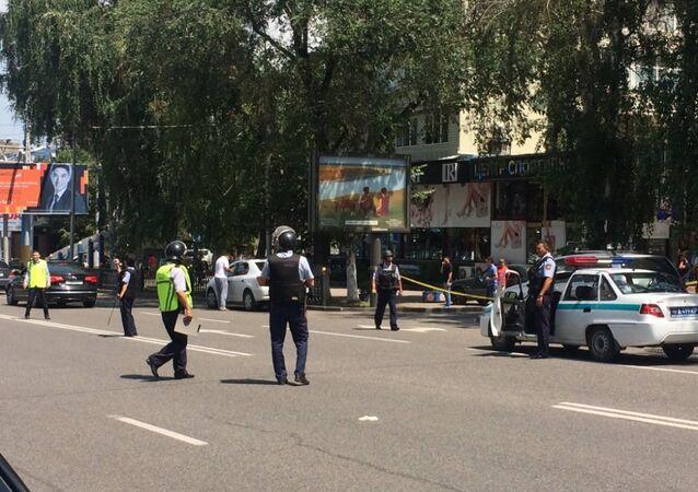 Kazakistan - Polise saldırı