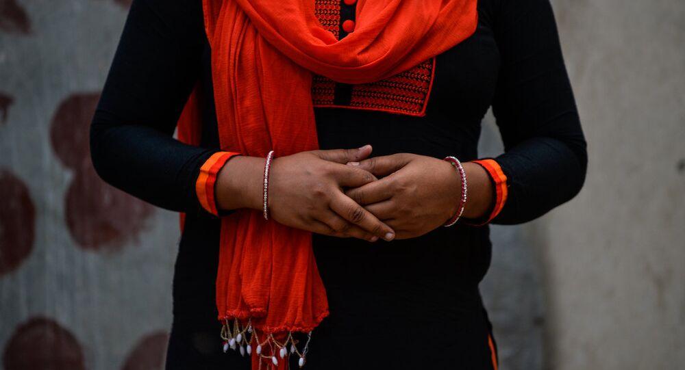 Tecavüz mağduru Hindistanlı bir kadın.