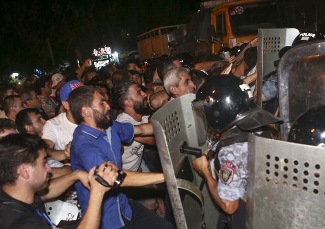 Ermenistan- Erivan / protesto