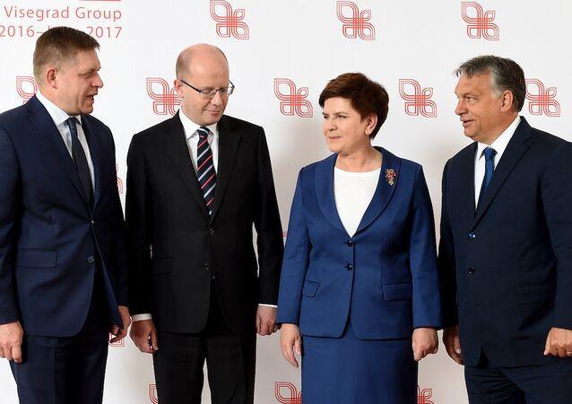 Vişegrad Grubu ülkeleri başbakanları. (Slovakya-Robert Fico, Çekya-Bohuslav Sobotka, Polonya-Beata Szydlo ve Macaristan-Viktor Orban)
