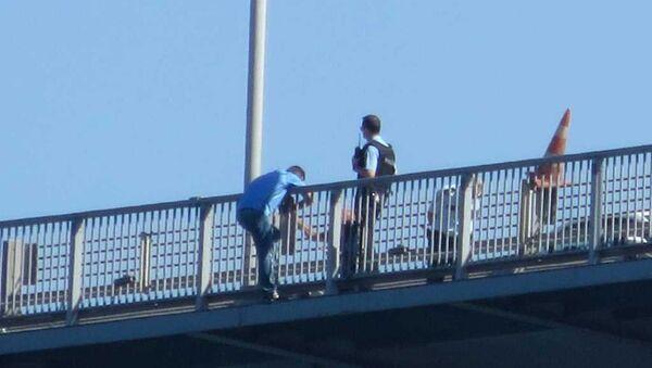 Kuleli Askeri Lisesi öğretmeni intihar için Boğaziçi Köprüsü'nde - Sputnik Türkiye