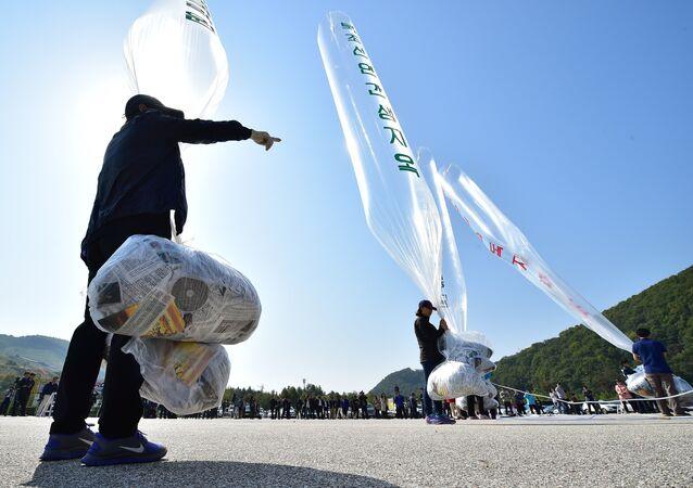 Kuzey Kore balonlar içinde Güney Kore tarafına bildiri dağıttı