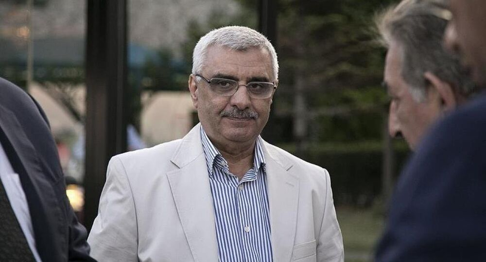 Eski Zaman gazetesinin yöneticileri ve yazarlarına yönelik soruşturma kapsamında hakkında gözaltı kararı çıkarılan Ali Bulaç yakalandı.