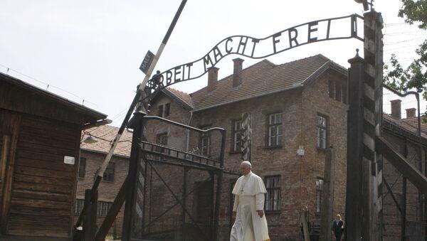 Papa Francis Auschwitz'i ziyaret etti - Sputnik Türkiye