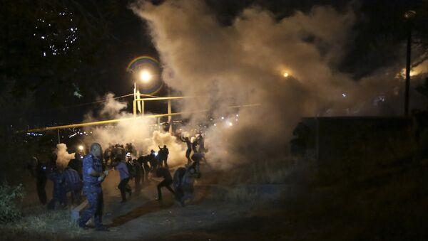 Yerevan'da polis müdahalesi - Sputnik Türkiye