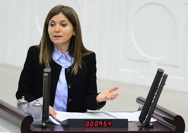 MHP Genel Başkan Yardımcısı Zuhal Topçu, görevinden istifa etti.